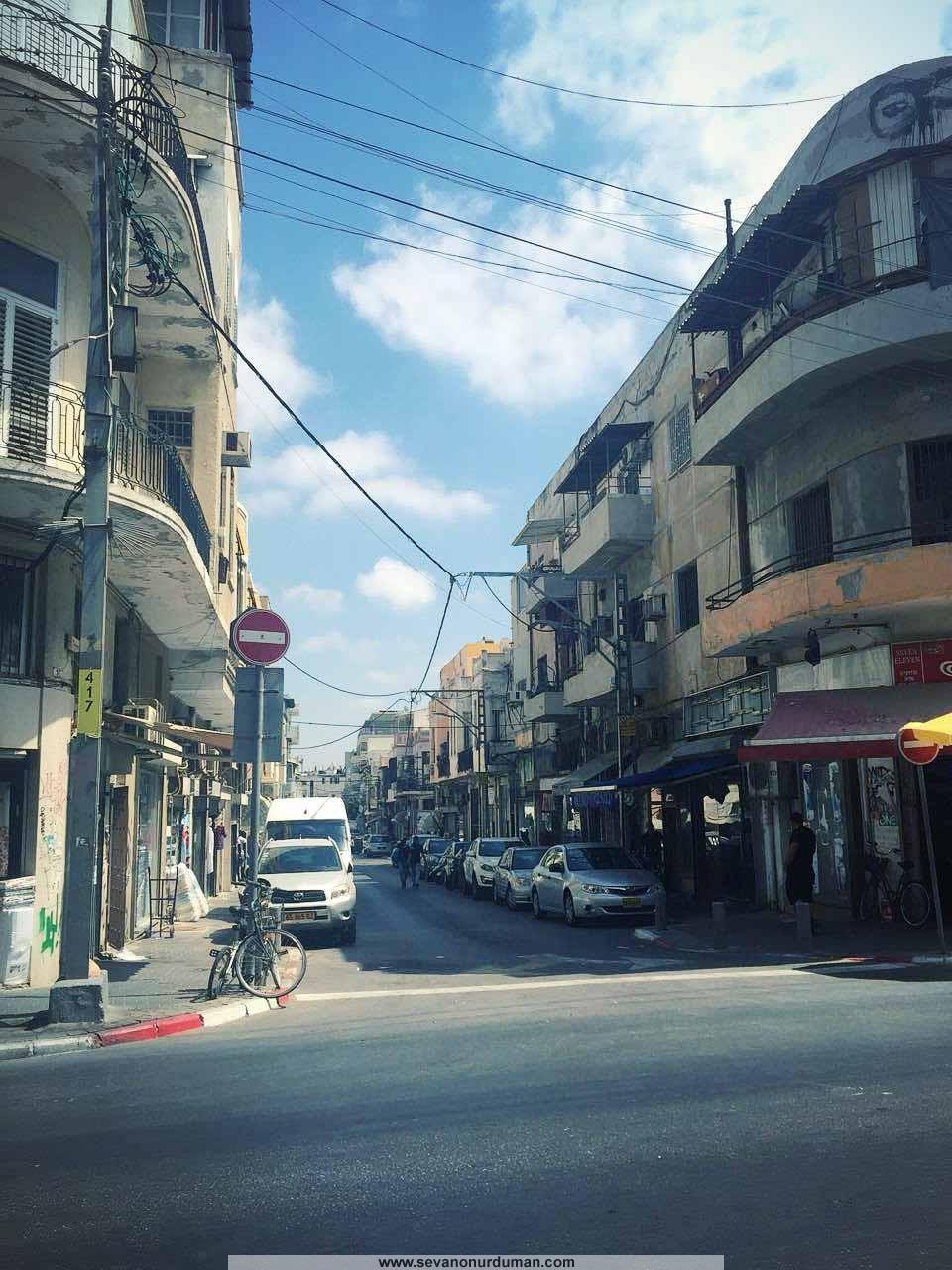 Tel-Aviv'de bir sokak